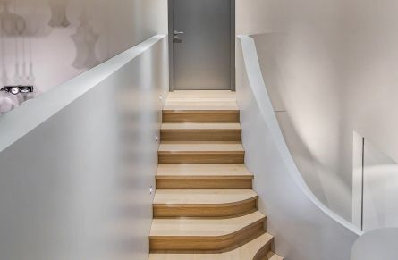 12-staircase-home-design1-wpcf_1335x1707