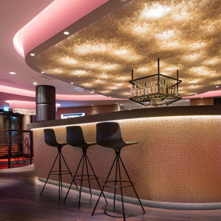jacks casino design oostzaan met detail bar ontwerp